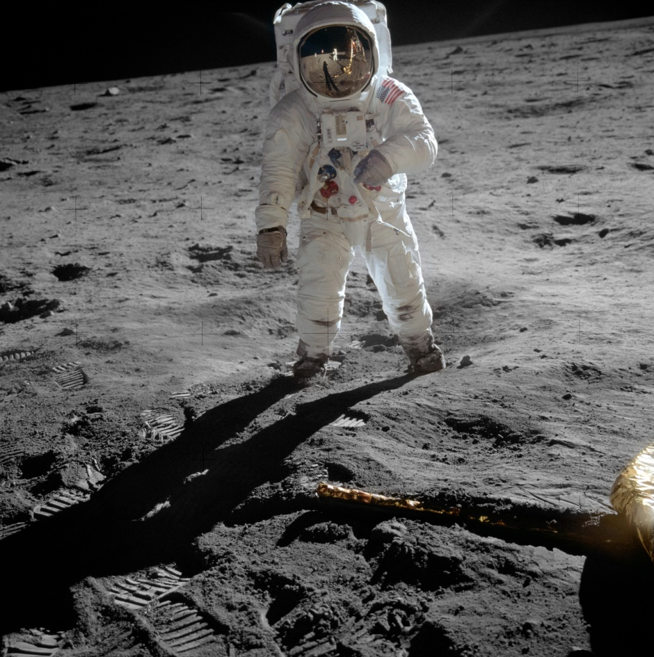Aldrin_Apollo_11_original
