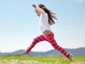 万博亚洲体育儿科前沿:研究人员表明,定期不穿鞋的体育活动可能会提高儿童和青少年的平衡和跳跃技能