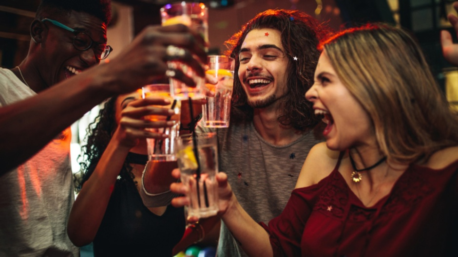 binge-drinking-male-female-brain-effects