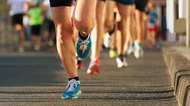 Marathon running in the evening light